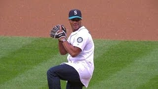 Download Seahawks QB Russell Wilson throws out the first pitch Video