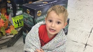 Download Dad Scares 4 Year Old In Halloween Store! Video