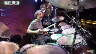 Download Simon Phillips: Drum Solo Live for BeatIt Video