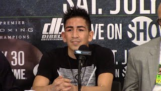 Download LEO SANTA CRUZ GREETS CARL FRAMPTON @ POST FIGHT PRESS CONFERENCE Video