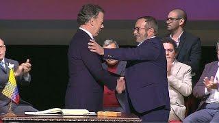 Download Santos y las FARC firmaron el nuevo acuerdo de paz para Colombia Video