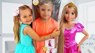 Download Diana and New Rapunzel doll Video