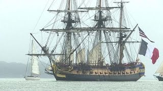 Download ″L'Hermione″ arrive à Yorktown, où Washinton salue La Fayette Video