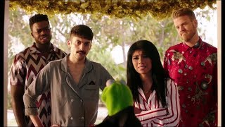 Download A Very Pentatonix Christmas - just the funny skits between songs Video