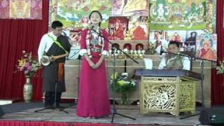 Download Tenzin Kunsel performs infront of Sogyal Rinpoche Video