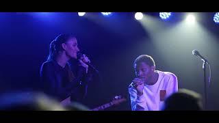 Download Niia & Gallant (LIVE) Constantly Dissatisfied Video