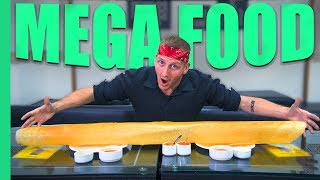 Download INDIAN MEGA FOOD! Record breaking Dosa, 250 Egg Omelette and more in Mumbai, India! Video