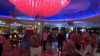 Download Pepe Hernández en Hotel Calypso ″ I love you because ″ Video