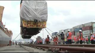 Download Train locomotives for SGR arrive at the port of Mombasa Video