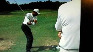 Download Tiger Woods 2002 driver swing Video