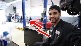 Download Girls in a Mechanic Shop Video