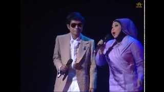 Download Cahaya Bulan diair tenang-A.Rozaini & Maria Bachok Video