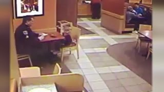 Download 3-Year-Old Girl Joins Cop at Restaurant So He Wouldn't Have to Sit Alone Video