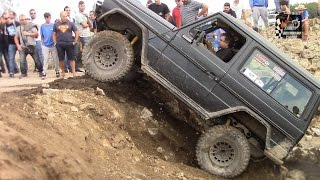 Download Mercedes GD300 4x4 Off-Road Skills [Full HD] Video