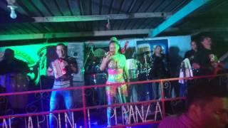 Download Samy y Sandra Sandoval - Vete tú que yo me quedo (En vivo) Video