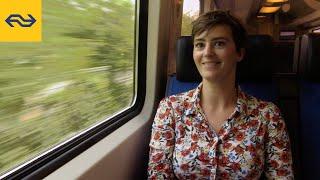 Download Baukje smult van taboes en zet mensen graag aan het denken | #11 Ontmoetingen in de trein Video