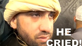 Download CRYING IN FRONT OF THE KAABA!!! Video