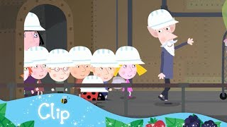 Download Ben and Holly's Little Kingdom - A tour of the Elf Factory! Video