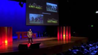 Download Cómo la danza es una herramienta de cambio social | Vania Masías | TEDxTukuy Video