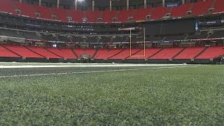 Download Georgia Dome crews prepare field for final Falcons game Video