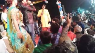Download सुपर स्टार पवन सिंह और बेकाबू भीड़ PAWAN SINGH Stage Show IN PAWAN SINGH Marriage Video