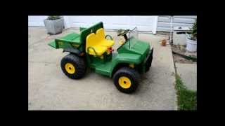 Download John Deere Gator Charging and Changing the Battery Peg Perego Video