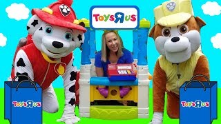Download PAW PATROL Rubble Pup Goes to Toys R US !!! ~ HUGE Skye REAL Marshall ~ Video