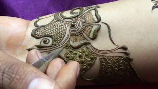 Download How to apply fantastic wrist mehndi tattoo for bride Video