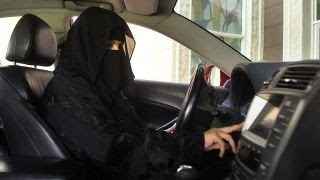 Download Saudi Arabia agrees to let women drive Video