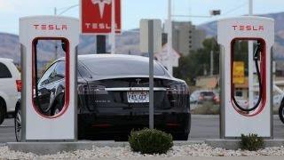 Download Concerns over Tesla's executive revolving door Video