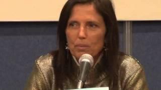 Download Presentación de Un comunista en calzoncillos de Claudia Piñeiro Video