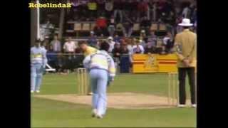 Download Sanjay Manjrekar bowling foxes Australia Video