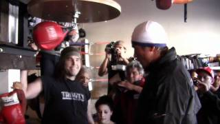 Download Juan Manuel Marquez Pops the Speedbag Video