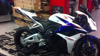 Download 2012 Cbr 600RR with Two Brothers Black Series Slip-On First Startup Video