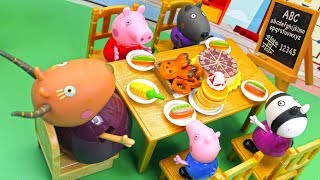Download Peppa Pig Cooking Food in the School with a Teacher and Friends Video