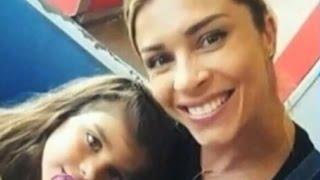 Download Hora da Venenosa: Grazi Massafera curte férias com namorado e filha Video