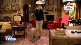 Download Mi Perro Tiene Un Blog España- Karl ofrece enseñar a bailar a Avery. Video