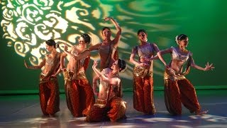 Download Kiaroscuro: Belly Dance - Indian fusion by Irina Akulenko Video