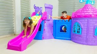 Download Ali build and play with pink Playhouse Castle Slide Toy for Adriana Video