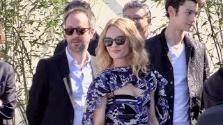 Download Vanessa Paradis and rest of the cast at Un couteau dans le cœur photocall in Cannes Video