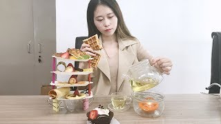 Download E14 Wanna make a full set of afternoon tea in Office! Try using hair tools! Cooking in Office Video