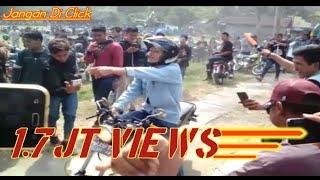 Download KEREN ABIS!!! ADU KEKUATAN MESIN SAMPAI MELEDAK! | Touring Honda CB di Candi Prambanan Yogyakarta Video