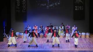 Download Argentinian folk dance: Malambo & Boleadoras Video
