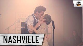 Download Scarlett (Clare Bowen) and Gunnar (Sam Palladio) Sing ″Love You Home″ - Nashville Finale Video