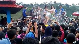 Download Sexy dance anniversary CBTB [ CB Tapal Batas] Gonggang Poncol Video