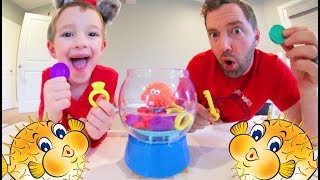 Download Father & Son PLAY BLOWFISH BLOWUP! / Grab The Treasure! Video