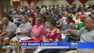 Download Lake Elsinore, Corona Residents Attend Packed Meeting For Answers About Holy Fire Video