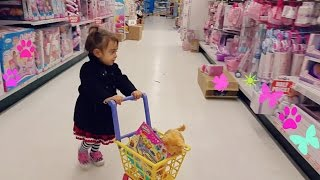 Download Cute Little Girl Doing Shopping -TOYS ″R″ US - Toy Shopping Cart Video