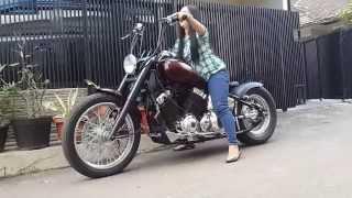 Download YAMAHA XVS 400 DRAGSTAR Custom Bobber Video