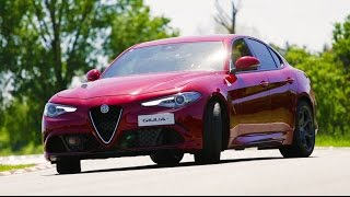 Download Alfa Romeo Giulia Quadrifoglio - Davide Cironi Drive Experience (ENG.SUBS) Video